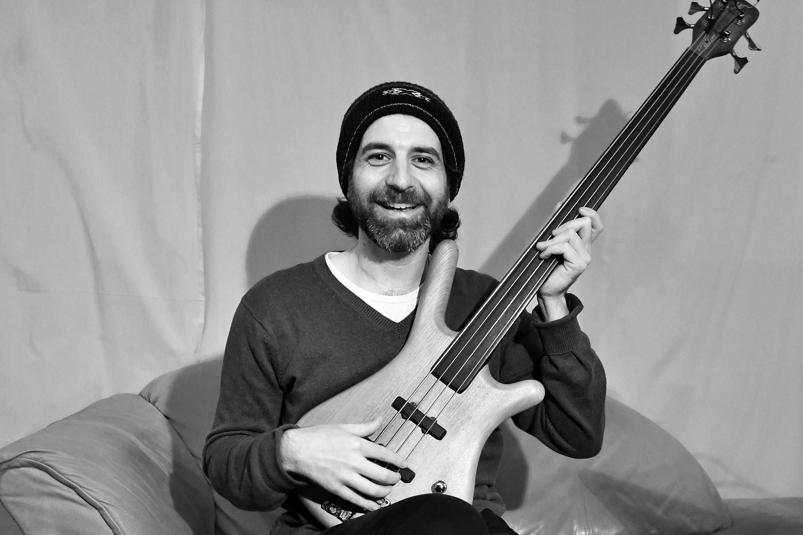 Philip Neumann, Bass